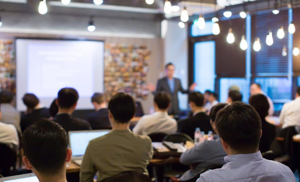 qualities and skills of a corporate trainer